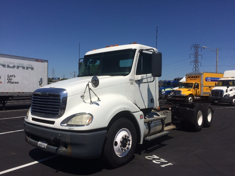 Day Cab Tractor-Heavy Duty Tractors-Freightliner-2009-Columbia CL12064ST-NASHVILLE-TN-355,390 miles-$30,000