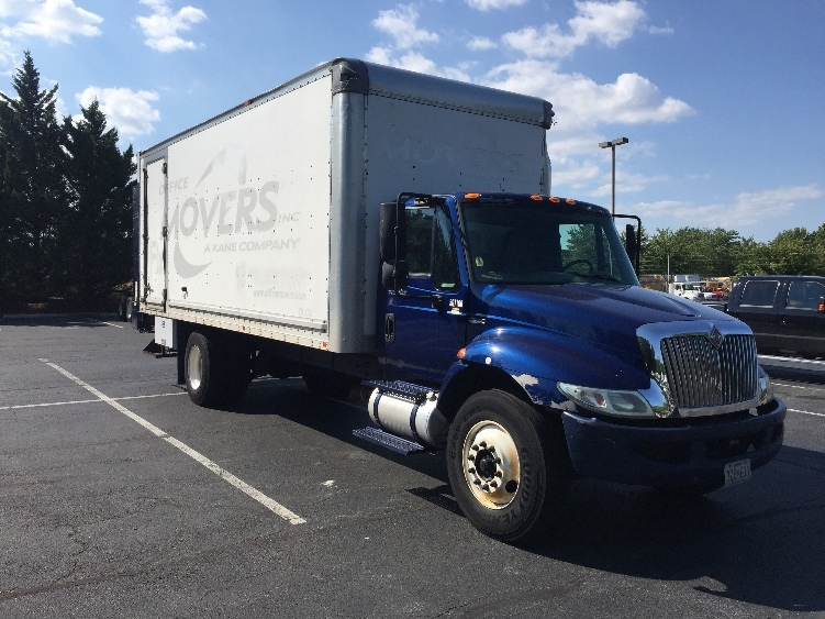 Medium Duty Box Truck-Light and Medium Duty Trucks-International-2009-4300-CAPITOL HEIGHTS-MD-185,668 miles-$22,750