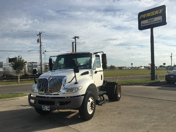 Day Cab Tractor-Heavy Duty Tractors-International-2010-4400-OKLAHOMA CITY-OK-133,201 miles-$27,250