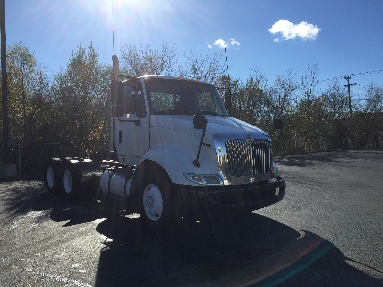 Day Cab Tractor-Heavy Duty Tractors-International-2010-8600-NEW BEDFORD-MA-275,000 miles-$24,750