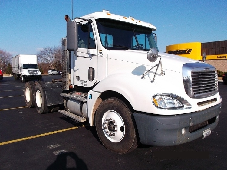Day Cab Tractor-Heavy Duty Tractors-Freightliner-2009-Columbia CL12064ST-SWEDESBORO-NJ-331,422 miles-$29,000