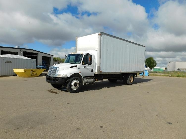 Medium Duty Box Truck-Light and Medium Duty Trucks-International-2010-4300-SASKATOON-SK-316,578 km-$33,250