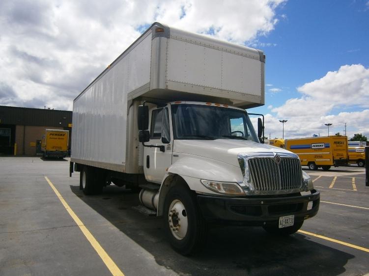 Medium Duty Box Truck-Light and Medium Duty Trucks-International-2009-4300-MISSISSAUGA-ON-280,760 km-$29,500