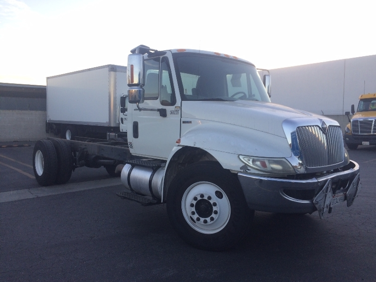 Cab and Chassis Truck-Light and Medium Duty Trucks-International-2009-4300-CITY OF INDUSTRY-CA-197,465 miles-$21,250