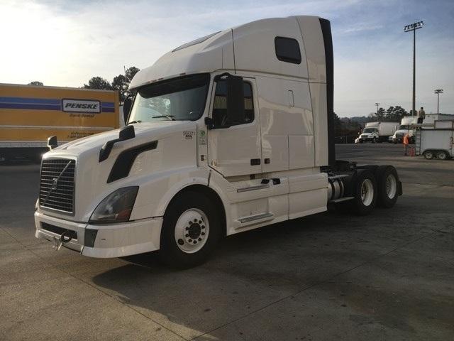 Sleeper Tractor-Heavy Duty Tractors-Volvo-2013-VNL64T670-HOMEWOOD-AL-413,423 miles-$48,250