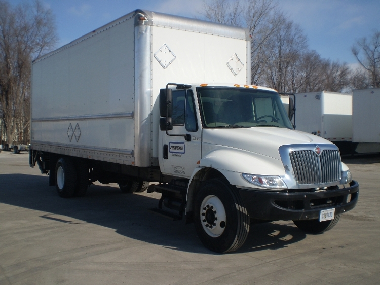 Medium Duty Box Truck-Light and Medium Duty Trucks-International-2010-4300-OMAHA-NE-209,395 miles-$29,750