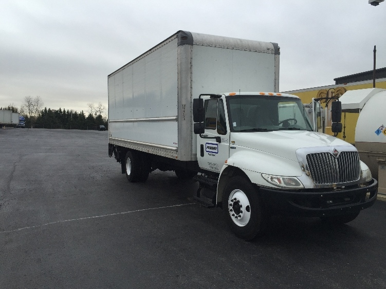 Medium Duty Box Truck-Light and Medium Duty Trucks-International-2010-4300-CARLISLE-PA-210,014 miles-$24,750