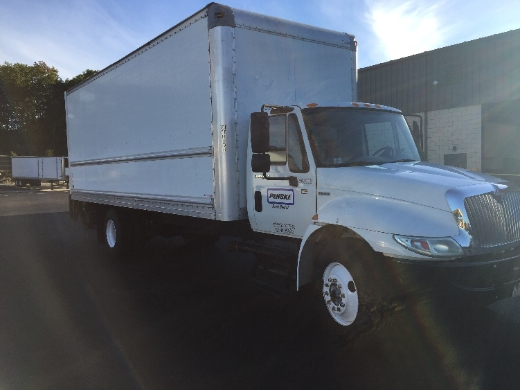 Medium Duty Box Truck-Light and Medium Duty Trucks-International-2010-4300-AUBURN-MA-173,270 miles-$24,750