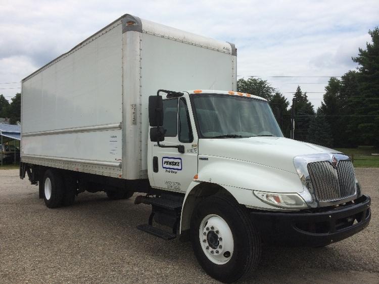 Medium Duty Box Truck-Light and Medium Duty Trucks-International-2010-4300-INDIANAPOLIS-IN-220,384 miles-$24,750