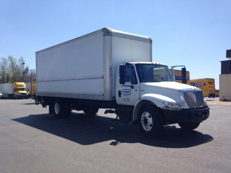 Medium Duty Box Truck-Light and Medium Duty Trucks-International-2010-4300-ERLANGER-KY-190,685 miles-$28,000