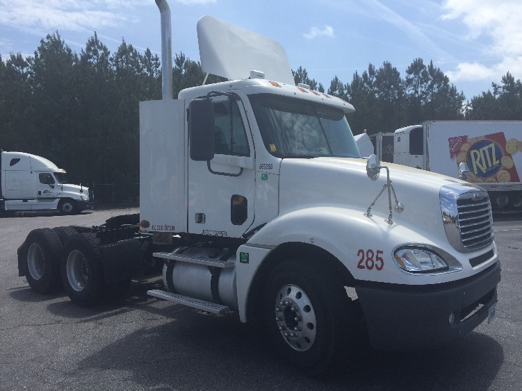 Day Cab Tractor-Heavy Duty Tractors-Freightliner-2009-Columbia CL12064ST-CHESAPEAKE-VA-389,778 miles-$26,000