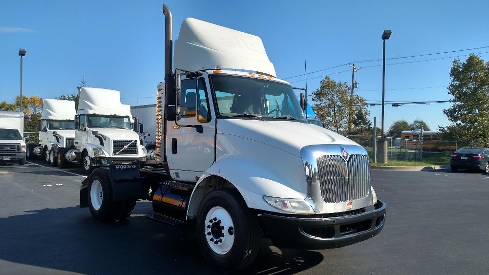 Day Cab Tractor-Heavy Duty Tractors-International-2010-8600-NEW CASTLE-DE-390,399 miles-$24,250