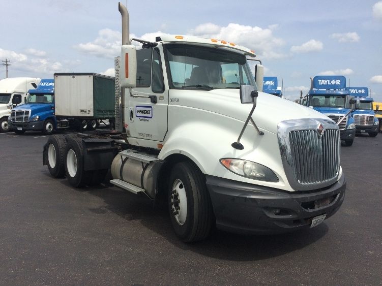 Day Cab Tractor-Heavy Duty Tractors-International-2010-ProStar-LINCOLN-NE-355,799 miles-$26,000