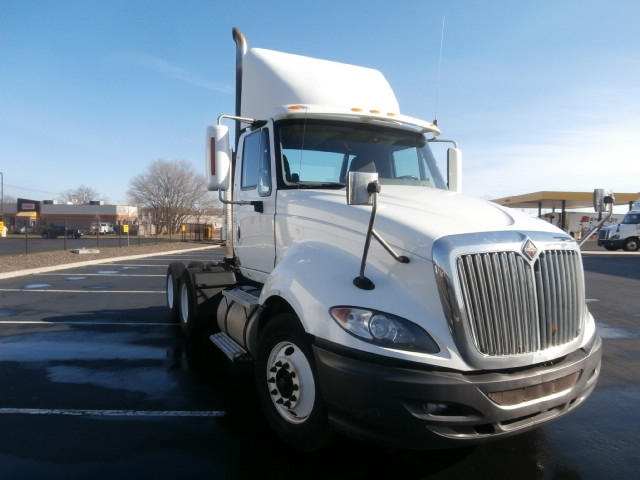 Day Cab Tractor-Heavy Duty Tractors-International-2010-ProStar-WEST HAVEN-CT-332,363 miles-$24,500