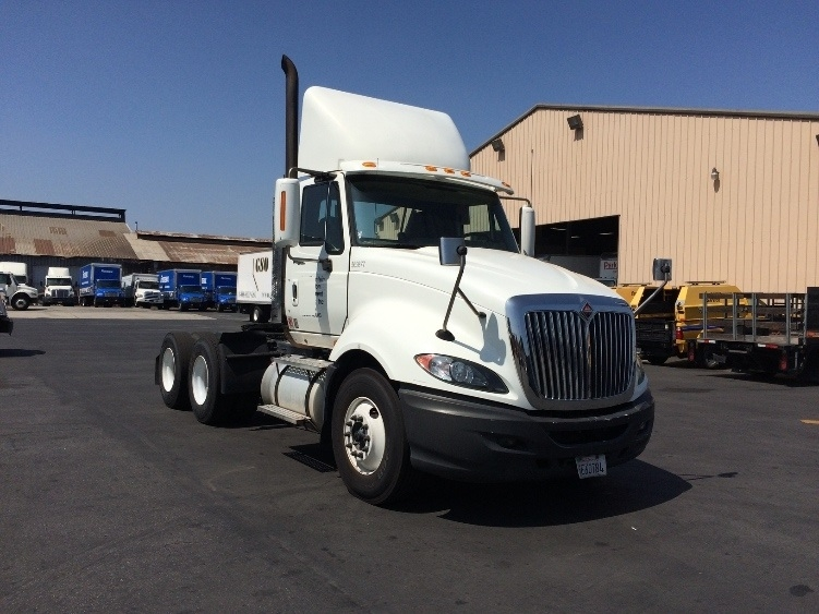Day Cab Tractor-Heavy Duty Tractors-International-2010-ProStar-TORRANCE-CA-391,927 miles-$27,750
