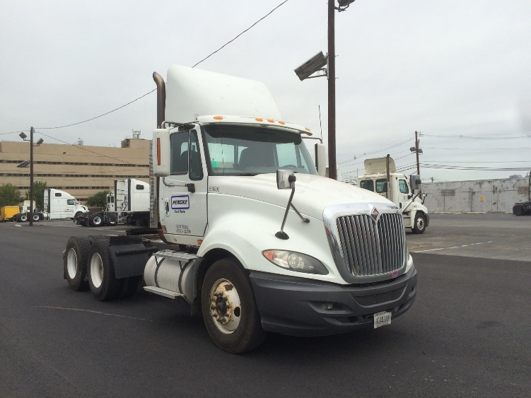Day Cab Tractor-Heavy Duty Tractors-International-2010-ProStar-LINDEN-NJ-298,497 miles-$28,750