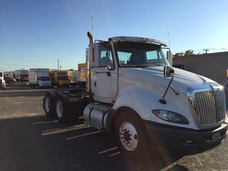 Day Cab Tractor-Heavy Duty Tractors-International-2010-ProStar-WEST BABYLON-NY-213,223 miles-$30,750