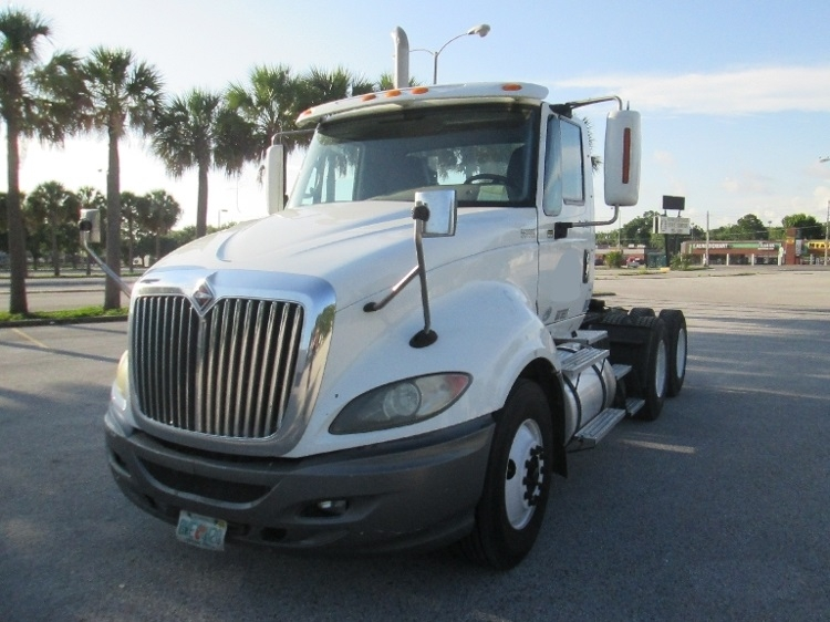 Day Cab Tractor-Heavy Duty Tractors-International-2010-ProStar-TAMPA-FL-421,319 miles-$25,750