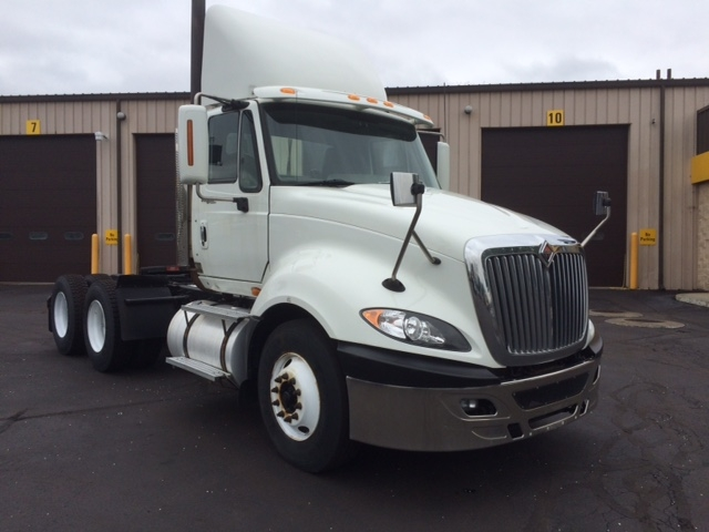 Day Cab Tractor-Heavy Duty Tractors-International-2010-ProStar-CHICOPEE-MA-632,945 miles-$15,250