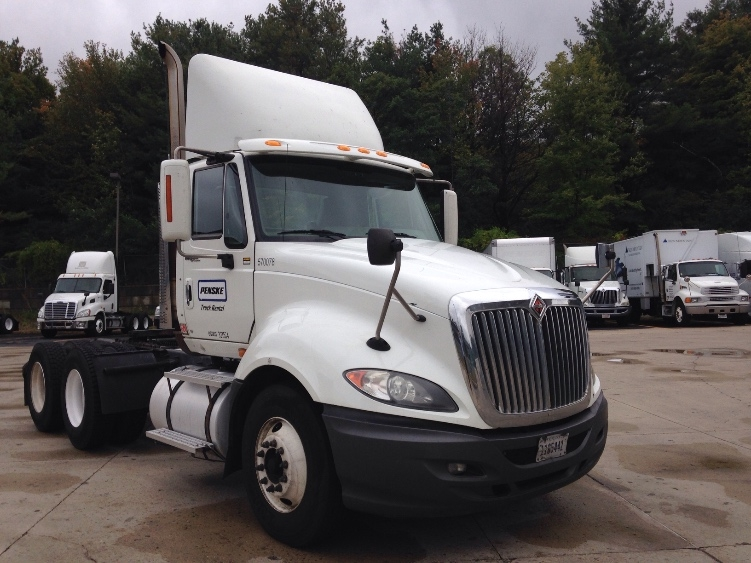 Day Cab Tractor-Heavy Duty Tractors-International-2010-ProStar-FRAMINGHAM-MA-466,568 miles-$27,000