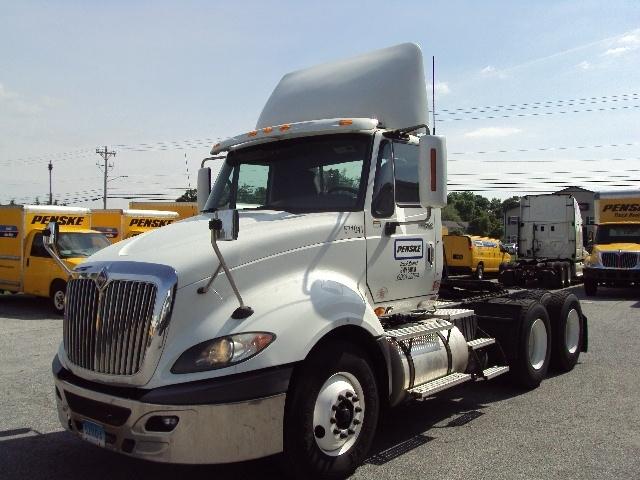 Day Cab Tractor-Heavy Duty Tractors-International-2010-ProStar-MILFORD-DE-379,312 miles-$23,250