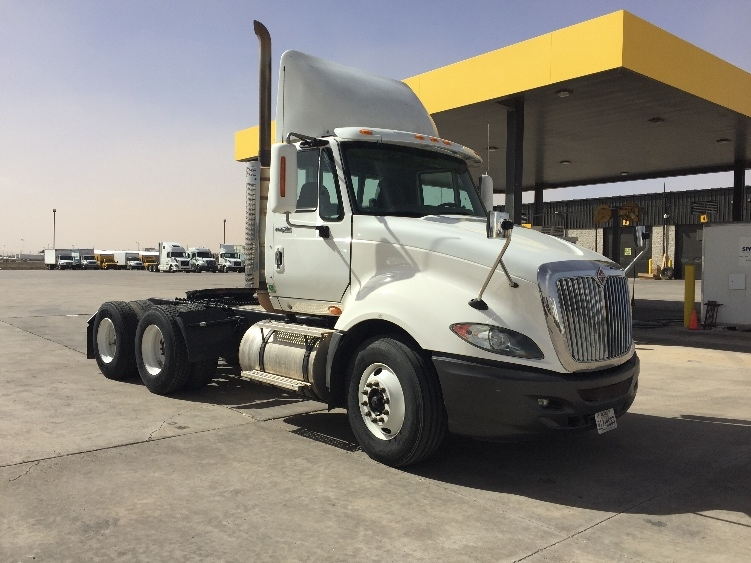 Day Cab Tractor-Heavy Duty Tractors-International-2010-ProStar-LUBBOCK-TX-633,845 miles-$27,500