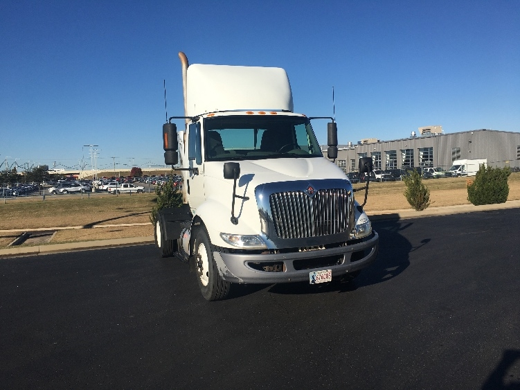 Day Cab Tractor-Heavy Duty Tractors-International-2010-8600-OKLAHOMA CITY-OK-404,943 miles-$21,500