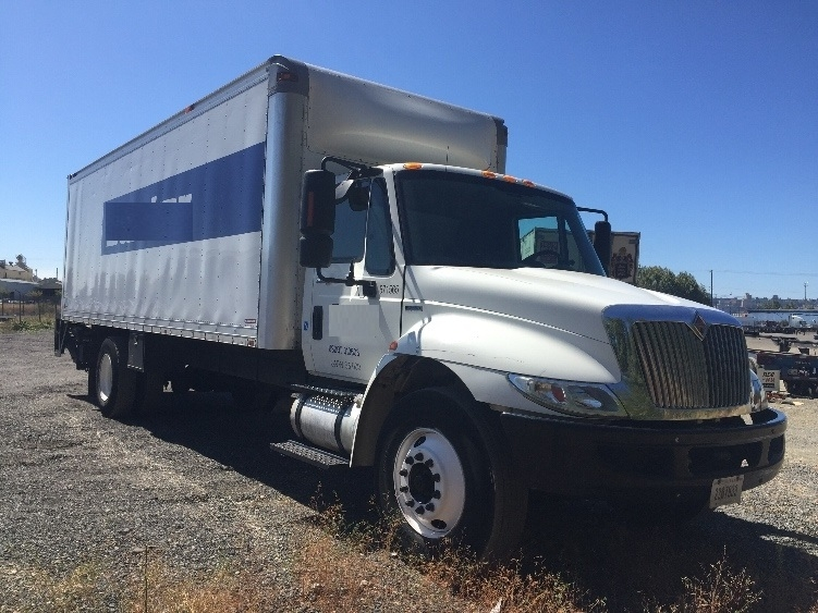 Medium Duty Box Truck-Light and Medium Duty Trucks-International-2010-4300-TACOMA-WA-217,458 miles-$20,250
