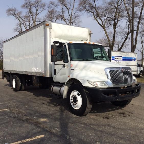 Medium Duty Box Truck-Light and Medium Duty Trucks-International-2010-4300-INDIANAPOLIS-IN-294,700 miles-$16,000