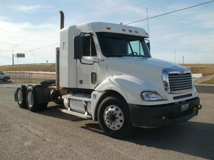 Sleeper Tractor-Heavy Duty Tractors-Freightliner-2010-Columbia CL12064ST-WACO-TX-577,091 miles-$29,500