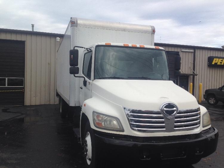 Medium Duty Box Truck-Light and Medium Duty Trucks-Hino-2010-338-PORTLAND-OR-197,132 miles-$27,750
