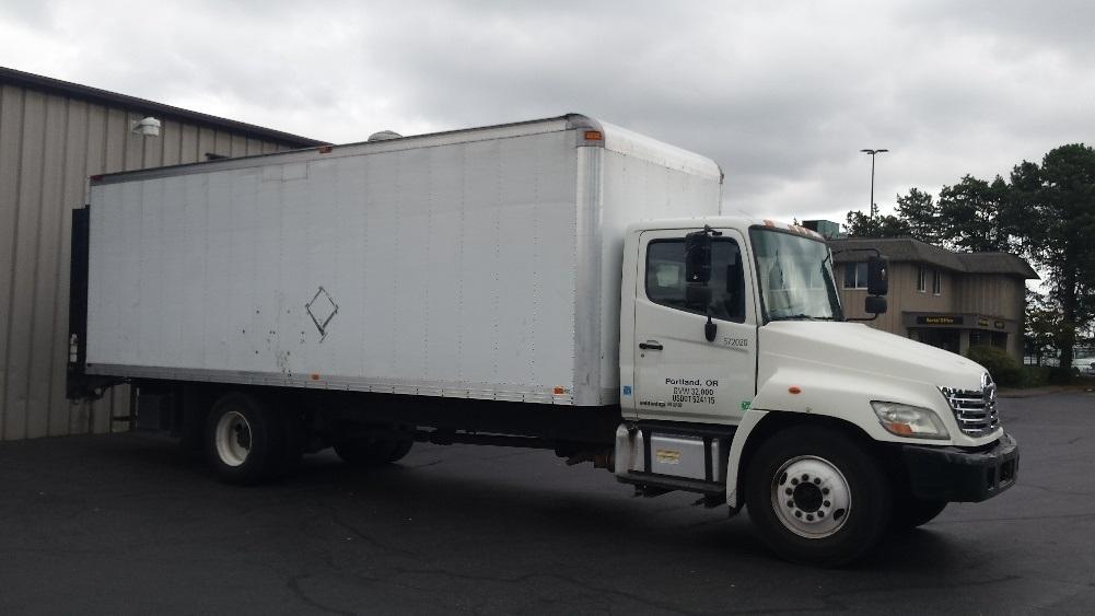 Medium Duty Box Truck-Light and Medium Duty Trucks-Hino-2010-338-PORTLAND-OR-208,366 miles-$25,250