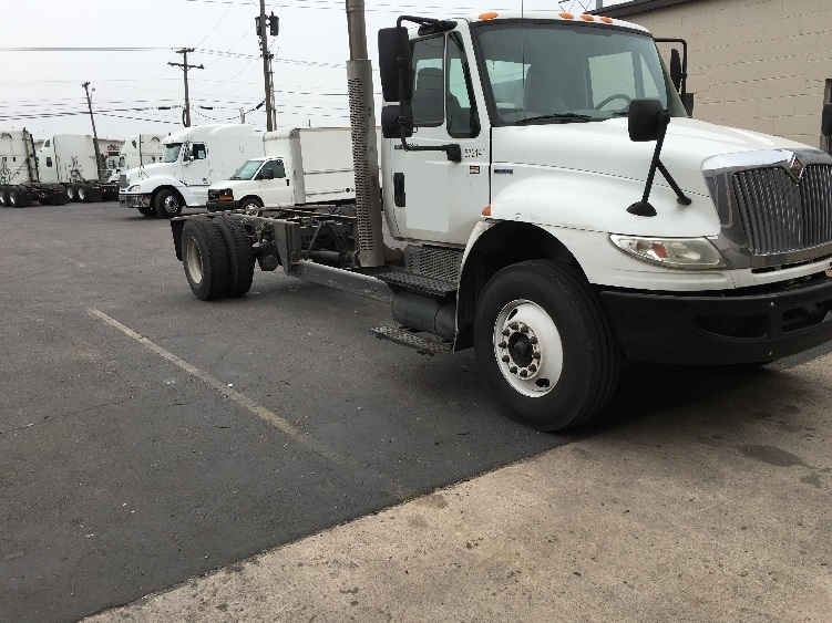 Cab and Chassis Truck-Light and Medium Duty Trucks-International-2010-4300-DALLAS-TX-206,726 miles-$20,750
