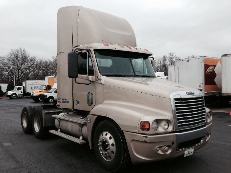 Day Cab Tractor-Heavy Duty Tractors-Freightliner-2010-Century Class CC2064ST-READING-PA-379,455 miles-$32,500
