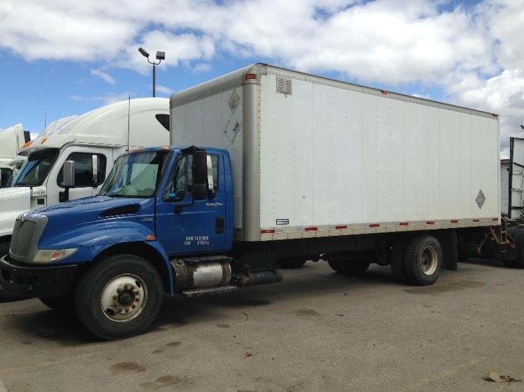 Medium Duty Box Truck-Light and Medium Duty Trucks-International-2010-4300-CALGARY-AB-422,765 km-$7,000