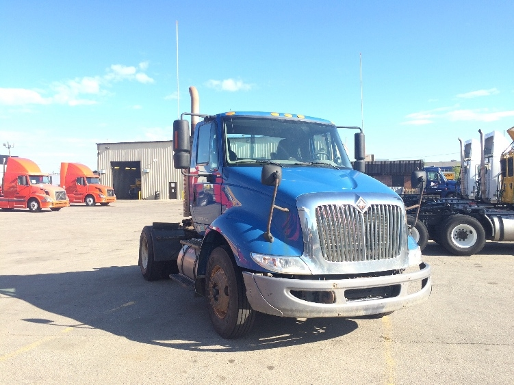 Day Cab Tractor-Heavy Duty Tractors-International-2010-8600-CALGARY-AB-489,513 km-$26,000