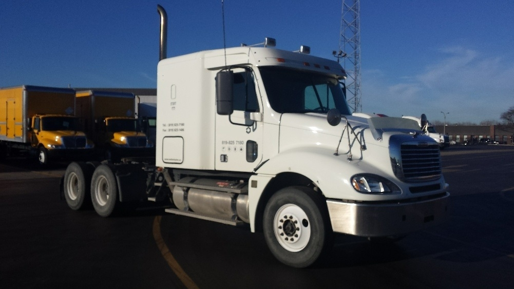 Sleeper Tractor-Heavy Duty Tractors-Freightliner-2010-Columbia CL12064ST-MISSISSAUGA-ON-651,443 km-$33,000