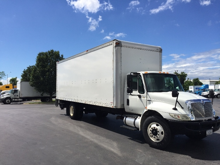 Medium Duty Box Truck-Light and Medium Duty Trucks-International-2010-4300-CHATTANOOGA-TN-241,122 miles-$20,500
