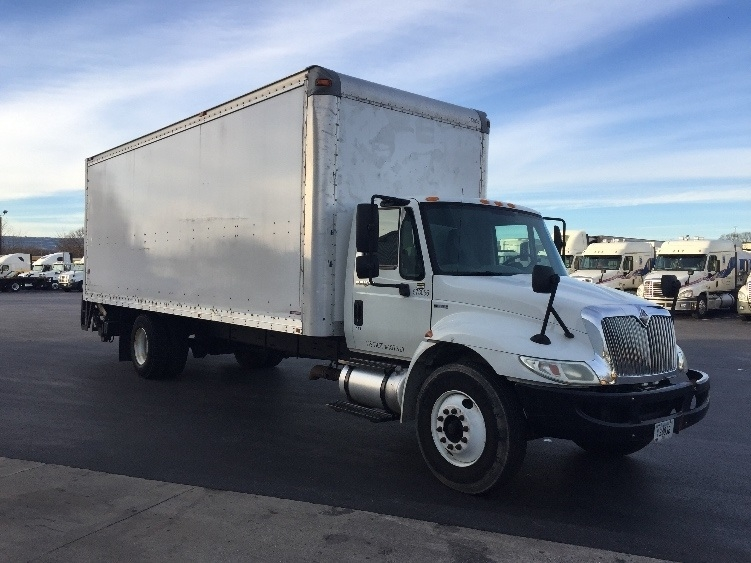 Medium Duty Box Truck-Light and Medium Duty Trucks-International-2010-4300-CHATTANOOGA-TN-238,627 miles-$19,750