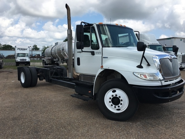 Cab and Chassis Truck-Light and Medium Duty Trucks-International-2010-4300-HAMMOND-LA-199,983 miles-$21,500