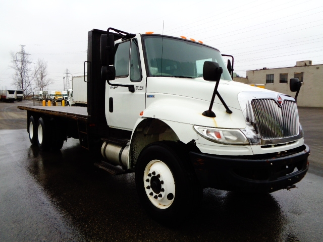 Flatbed Truck-Light and Medium Duty Trucks-International-2010-4400-LONDON-ON-507,230 km-$20,750