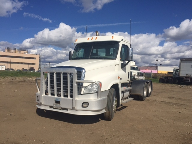 Day Cab Tractor-Heavy Duty Tractors-Freightliner-2010-Cascadia 12564ST-EDMONTON-AB-725,486 km-$45,500