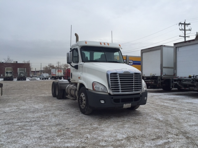 Day Cab Tractor-Heavy Duty Tractors-Freightliner-2010-Cascadia 12564ST-EDMONTON-AB-663,106 km-$39,750