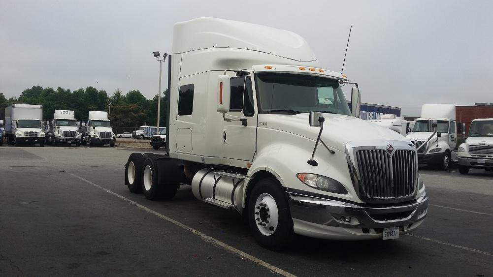 Sleeper Tractor-Heavy Duty Tractors-International-2010-ProStar-SMYRNA-TN-299,735 miles-$36,000