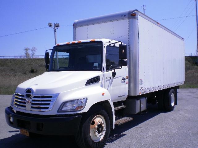 Medium Duty Box Truck-Light and Medium Duty Trucks-Hino-2010-268-EAST SYRACUSE-NY-221,428 miles-$23,750
