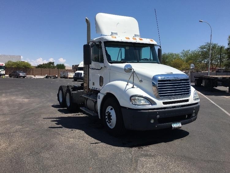 Day Cab Tractor-Heavy Duty Tractors-Freightliner-2009-Columbia CL12064ST-PHOENIX-AZ-530,231 miles-$30,250