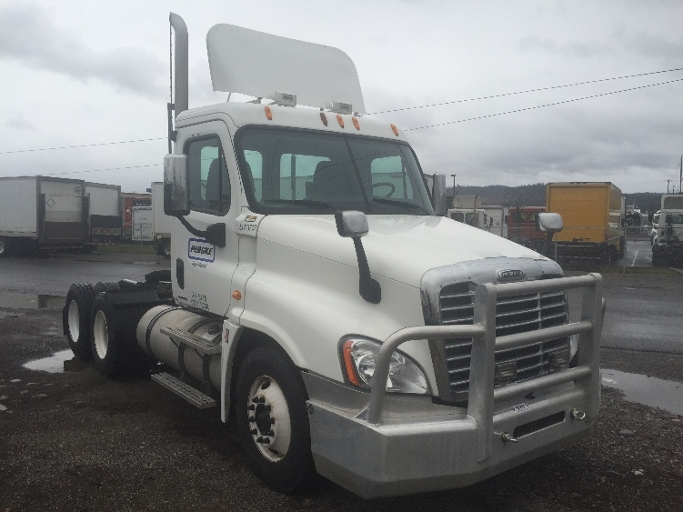 Day Cab Tractor-Heavy Duty Tractors-Freightliner-2009-Cascadia 12564ST-SPOKANE VALLEY-WA-415,221 miles-$26,750