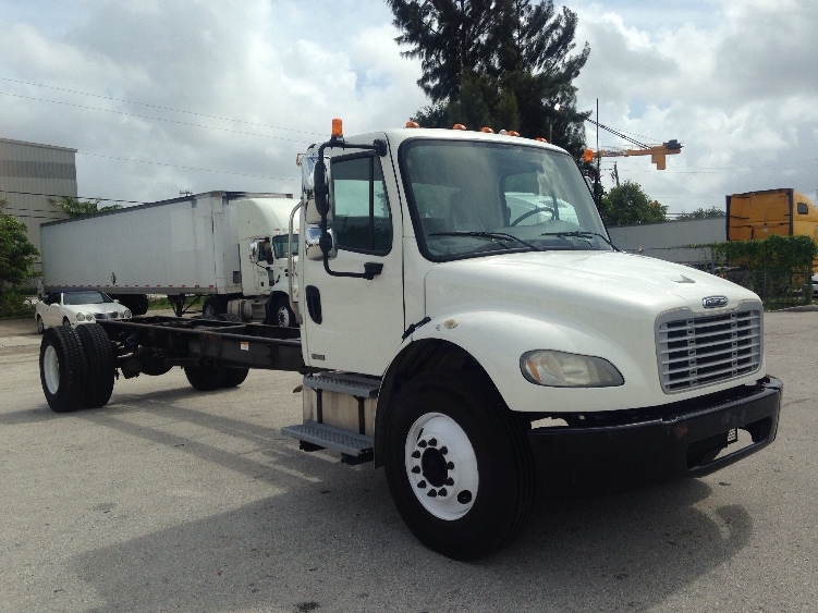 Cab and Chassis Truck-Light and Medium Duty Trucks-Freightliner-2010-M2-RIVIERA BEACH-FL-174,327 miles-$26,000