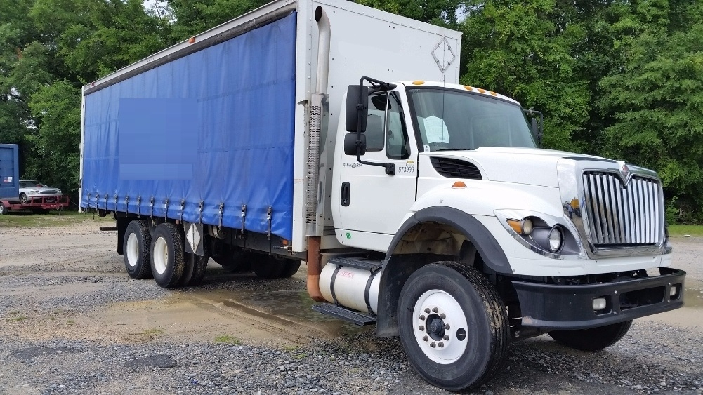 Medium Duty Box Truck-Light and Medium Duty Trucks-International-2010-7600-GARDEN CITY-GA-377,010 miles-$35,250