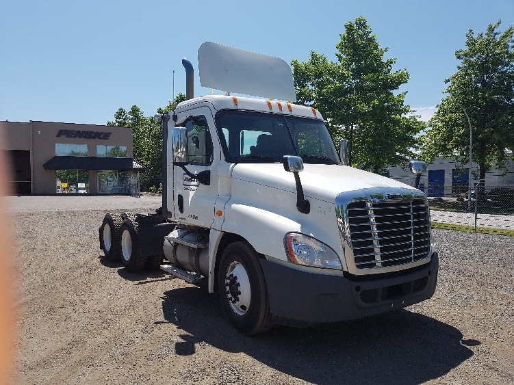 Day Cab Tractor-Heavy Duty Tractors-Freightliner-2010-Cascadia 12564ST-BURNABY-BC-206,002 km-$51,000